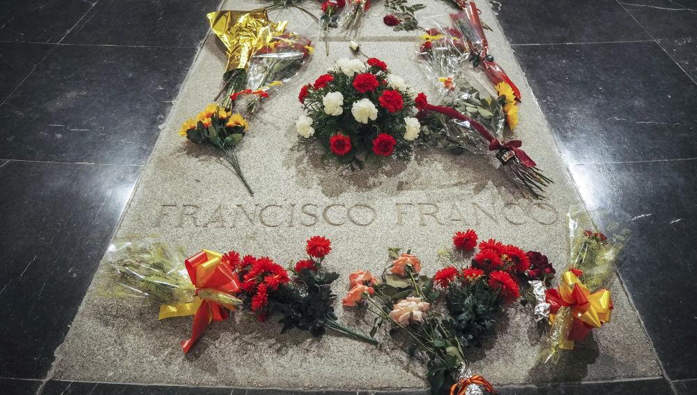 Ábalos pide «humildad» a la familia Franco, convencidos de que no podrán exhumar los restos del Valle de los Caídos sin su consentimiento