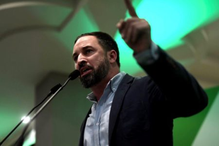 La trayectoria de Santiago Abascal: toda una vida en el sector público y muy cercano a José María Aznar