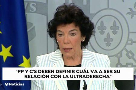 La portavoz del Gobierno considera que Ciudadanos y PP deben decidir su relación con la ultraderecha