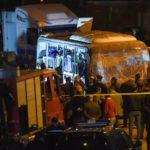 Cuatro muertos por la explosión de una bomba al paso de un autobús turístico cerca de las pirámides de Guiza