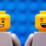 Los pediatras que decapitaron unos Lego y se tragaron su cabeza