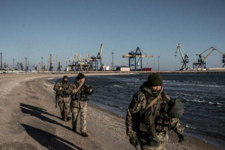 Puertos 'asfixiados' en el mar de Azov, nuevo frente de batalla de Rusia y Ucrania