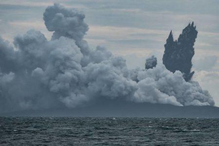 El Anak Krakatoa perdió dos tercios de altura y de volumen antes del tsunami
