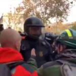 El momento de tensión entre el agente rural y el mosso d'escuadra