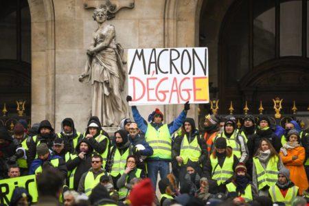 La calma y la escasa participación dominan la protesta de los 'chalecos amarillos'