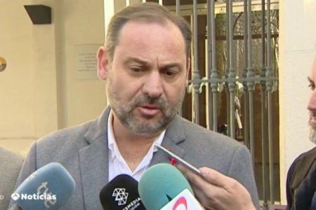 "Ábalos critica que se use como ""coartada"" el proceso independentista para no gobernar"