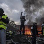 Claves para entender por qué la protesta de los 'chalecos amarillos' daña a Macron
