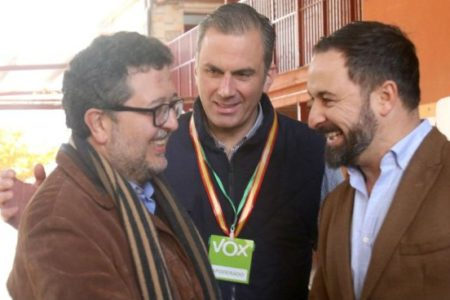 """VOX cree que muchos andaluces querrán celebrar con las uvas """"el cambio de régimen socialista"""""""