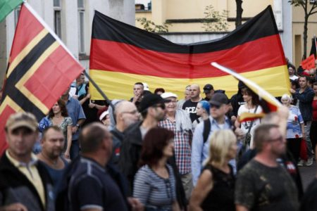 Un colectivo cultural invita a identificar a neonazis alemanes