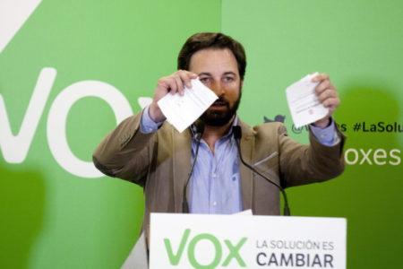 Denuncian la agresión a una fotoperiodista en un acto de Vox en Avilés