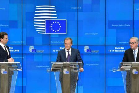 La UE aprueba un embrión de presupuesto de la zona euro