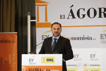 Ábalos anuncia una reducción del 30% en los peajes de las autopistas rescatadas