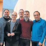 Los presos independentistas de Lledoners muestran unidad en una foto en el interior de la cárcel