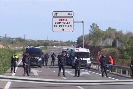 Temor entre policías y guardias civiles a pasar las navidades desplegados en Cataluña