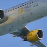 La crisis de los 5 azafatos de Vueling con sarampión: decenas de pasajeros potencialmente infectados