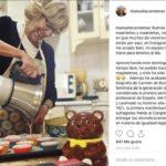 Carmena estrena cuenta en Instagram haciendo magdalenas en su cocina
