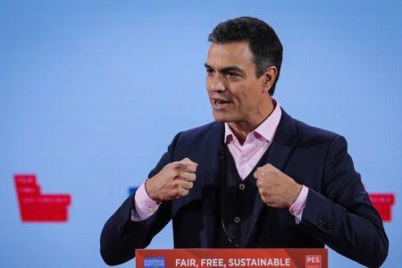 Sánchez pide una movilización «serena» y «moderada» de la sociedad ante el auge del autoritarismo y la extrema derecha