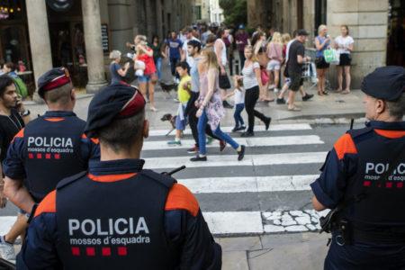 La CUP llama a sembrar el caos en Barcelona el 21-D mientras el Gobierno insiste en su «confianza en los Mossos»