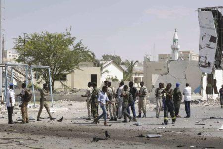 Al menos 13 muertos en un atentado con coche bomba en Somalia