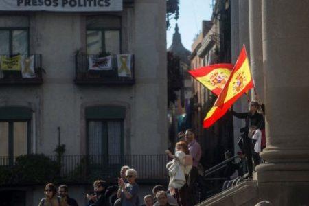 Una manifestación constitucionalista en Barcelona advierte de protestas si se indultara a los golpistas presos