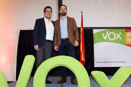 Vox recuerda a Moreno y Marín que es «imprescindible» para un pacto de investidura