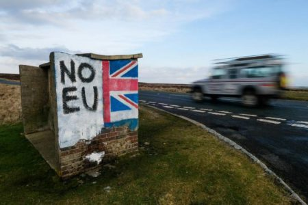 Reino Unido fijará sueldos mínimos para que los ciudadanos de la UE accedan a su mercado laboral