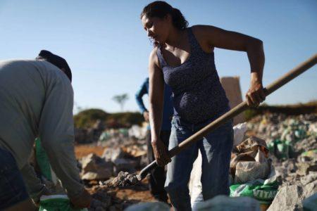 El giro que Bolsonaro quiere dar al mercado laboral: menos derechos para los trabajadores brasileños