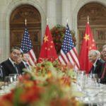 EE UU y China acuerdan no imponer nuevos aranceles desde el 1 de enero