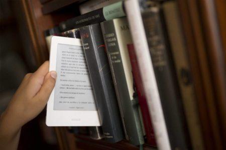 El lector digital lee el doble que el de papel