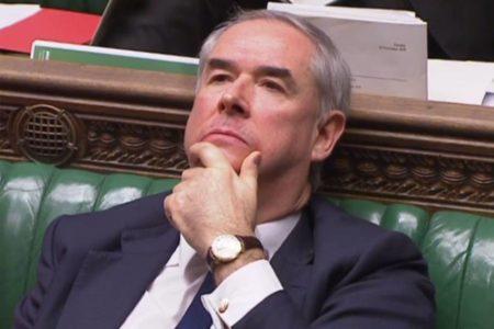 El Parlamento declara en desacato al Gobierno de May