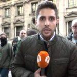 Gritos e insultos contra un redactor de Antena 3 Noticias durante su conexión en directo