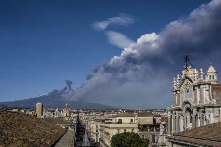 La erupción del Etna causa 150 pequeños terremotos