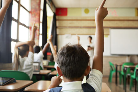 El Consejo de Ministros analiza la derogación de la Lomce y la reforma de la ley educativa