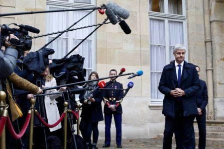 Un centenar de liceos se suma a la ola de descontento de los 'chalecos amarillos' en Francia