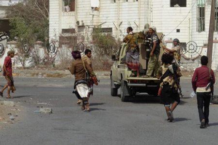 Combates en el puerto clave de Hodeida pese a la entrada en vigor de la tregua en Yemen