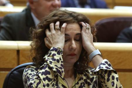 Montero critica a PP y Cs por su patriotismo «de bandera» tras vetar su techo de gasto
