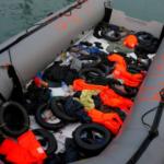 Tres muertos y 114 desaparecidos en un naufragio en el Mediterráneo central