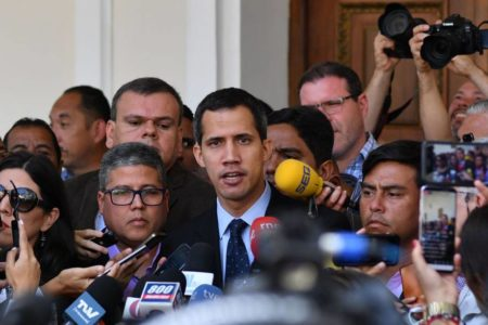 Guaidó moviliza al Parlamento para impulsar la transición en Venezuela