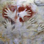 Encuentran tres nuevas manos grabadas en la cueva de Altamira