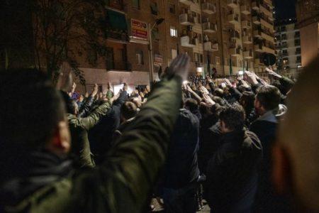 Dos periodistas de la revista italiana 'L'Espresso', agredidos en un acto fascista