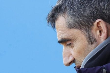 Valverde vuelve a dejar su futuro en el aire