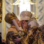 La iglesia ucrania celebra con pompa su independencia en Estambul