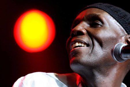 Muere la leyenda del afro-jazz Oliver Mtukudzi