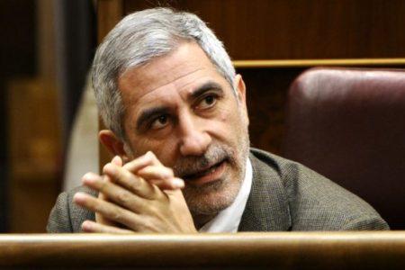 IU asegura que Llamazares incumplió los estatutos y decide este domingo si le sanciona