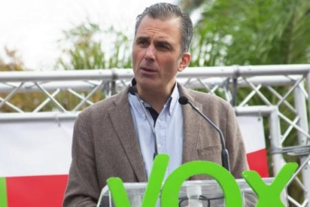 """Vox asegura que el PP de Casado le copia los discursos y """"hasta los eslóganes"""""""