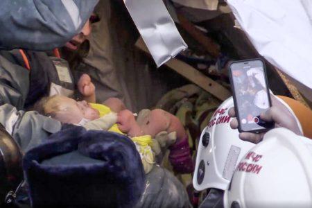 Un bebé sobrevive al derrumbe de un edificio en la región de los Urales