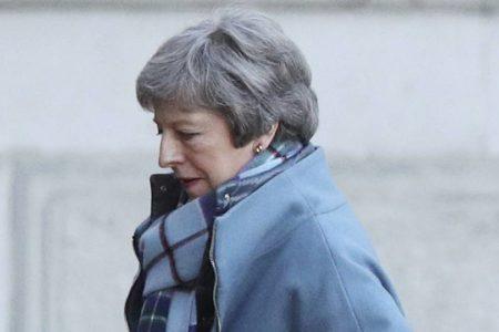 May se alía con los euroescépticos para exigir nuevas cesiones a Bruselas
