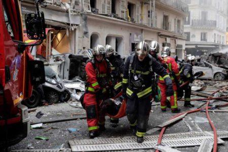 Tres muertos, entre ellos una española, por una fuerte explosión en una panadería en el centro de París