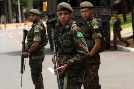 Miles de brasileños llegan a Brasilia para acompañar a Bolsonaro en la toma de posesión