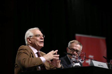 Borrell y Guirao escenifican paz en la estrategia de acción cultural exterior